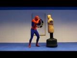 Настоящий человек-паук в Набережных Челнах на теквандо